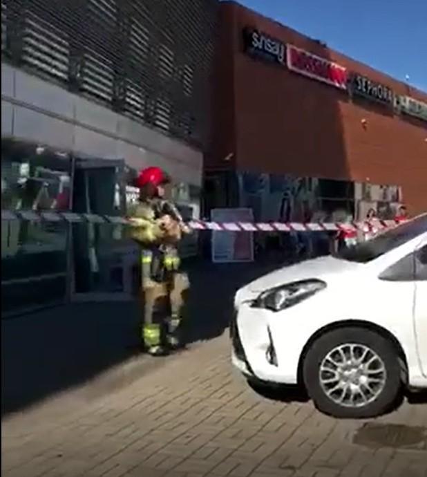 Koszalińscy strażacy interweniowali w Galerii Emka w Koszalinie