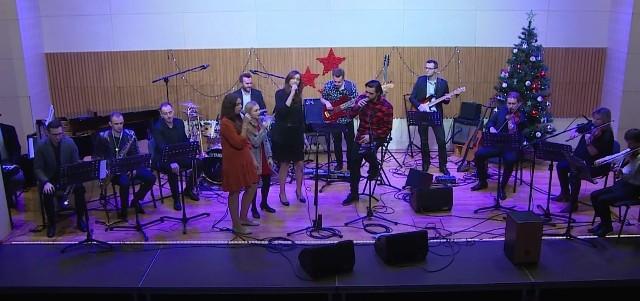Na scenie Kozienickiego Domu Kultury zagrali i zaśpiewali uczniowie oraz nauczyciele Szkoły Muzycznej z Kozienic.