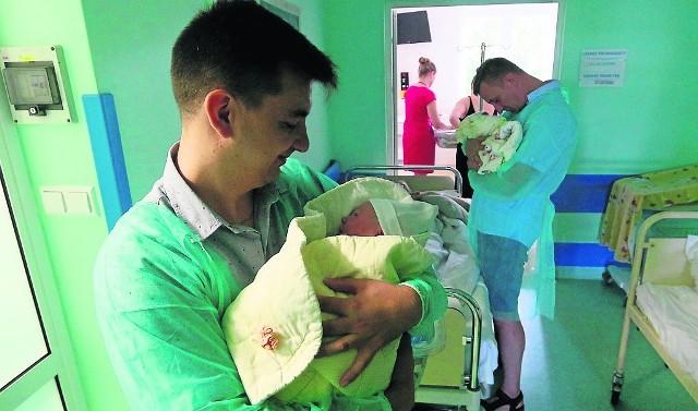 Kobiety ciężarne i osoby towarzyszące oprowadzi po oddziale położna