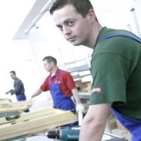 W Zambrowskim Parku Przemysłowym, w trzech firmach produ-kujacych okna, stworzono 185 miejsc pracy.