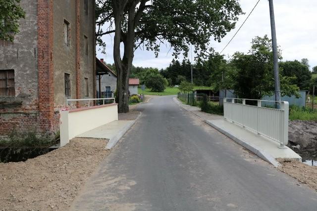 Most na rzece Sępolence na drodze Niechorz - Komierówko groził zawaleniem. Po remoncie został już udostępniony dla ruchu