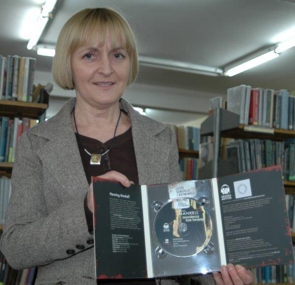 - Jest coraz więcej dobrych książek na płytach CD, zachęcam do wypożyczania - mówi Halina Szklanny, dyrektor biblioteki w Oleśnie.