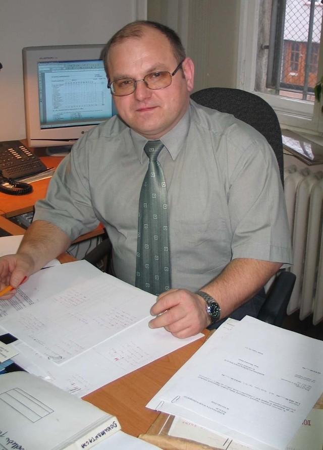 Podinspektor Zbigniew Podgórski ma 40 lat. Uwielbia dobrą literaturę, film i sport.