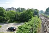 Centrum przesiadkowe Opole Zachodnie. Miasto ogłosiło przetarg. Powstanie 300 miejsc parkingowych. Około 500 pni drzew i krzewów pod topór