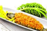 Ryba po grecku - przepis. Jak przygotować rybę po grecku (ŚWIĄTECZNE PRZEPISY)