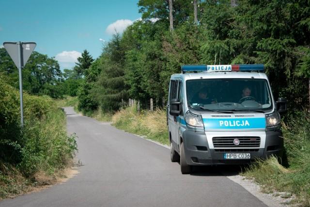 23-latek, który jest podejrzany o dokonanie brutalnej zbrodni pod Koninem, usłyszał zarzut zabójstwa. Mężczyzna przyznał się do winy
