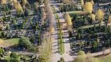 Cmentarze znów otwarte 3.11.2020 r. Pomorzanie ruszyli na nekropolie, by odwiedzić groby swoich bliskich [zdjęcia, wideo z drona]
