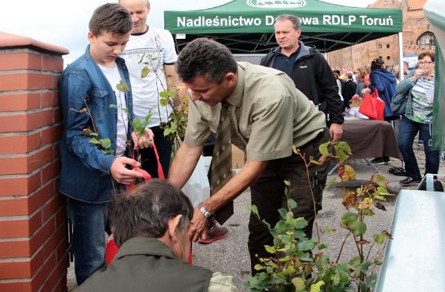 """W ramach akcji """"Sprzątanie Świata"""" odbył się Festyn Ekologiczny z wieloma atrakcjami na Błoniach Nadwiślańskich."""
