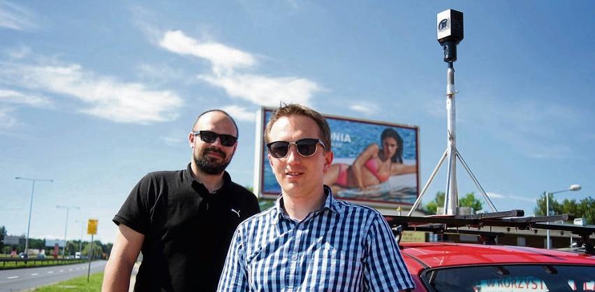 Karol Kwiatek z UEK (z prawej) i Cezary Śliwkowski z firmy DIP360, którzy wspólnie pracują nad pomysłem