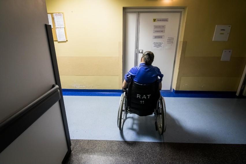 Lekarze nie chcą zostawiać pacjentów bez pomocy.