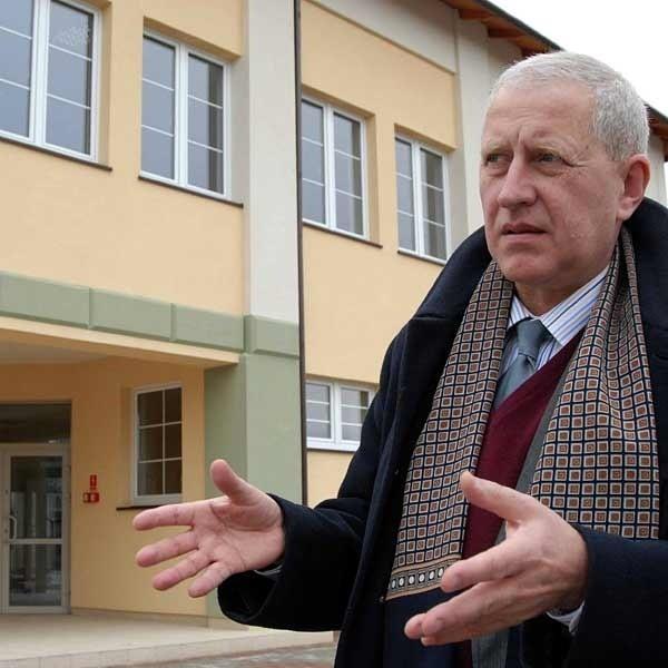 - Budowa biblioteki i czytelni trwała zaledwie rok - mówi Jan Musiał, kanclerz PWSzW.