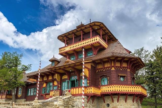 Kompleks drewnianych budowli Jurkovina na Pustevnach stanowi wyjątkowe dziedzictwo kulturowe regionu. Rekonstrukcja Libusina należała do najważniejszych tego typu przedsięwzięć w Czechach