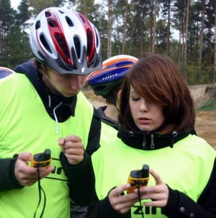 Dennis i Mirijam z Burga na trasie z GPS-em