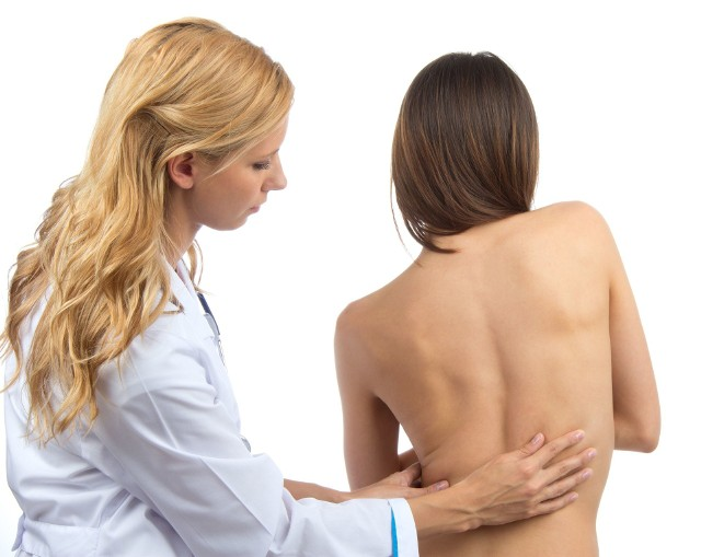 Nie bagatelizuj dolegliwości związanych z kręgosłupem. Poszukaj pomocy u specjalisty