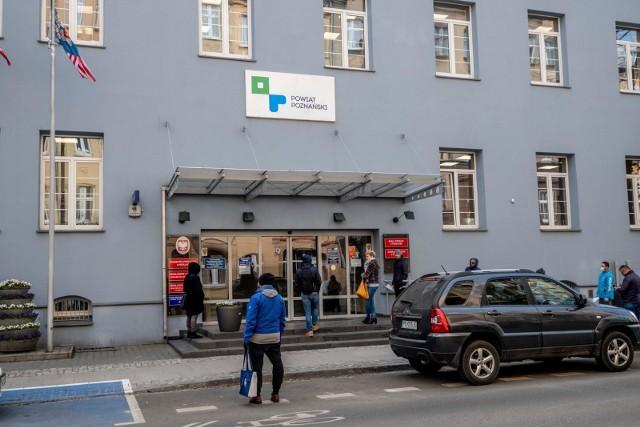 Starostwo Powiatowe w Poznaniu zawiesza przyjmowanie klientów.