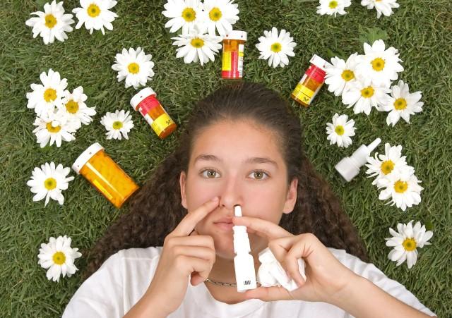 Wiosna nie jest najłaskawszą porą roku dla alergików, którzy muszą radzić sobie z pyłkami budzących się do życia roślin.