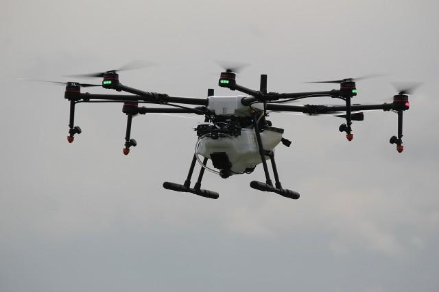 Białystok chce uderzyć dronem w smog. Miasto ogłosiło przetarg.