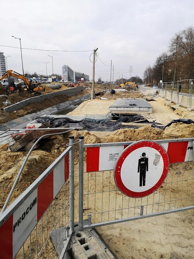Postępuje budowa linii tramwajowej do Górki Narodowej