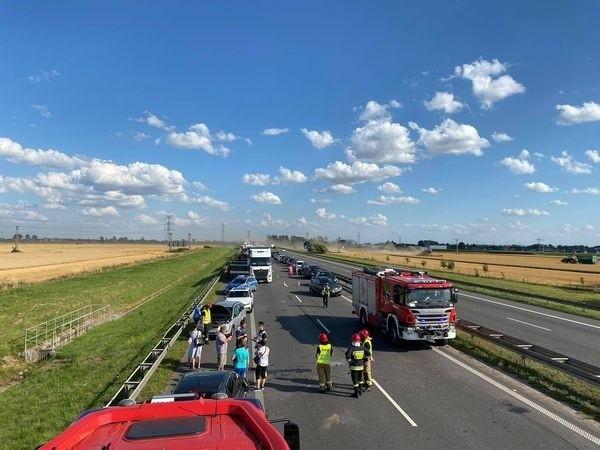 Wypadek na A4 przed bramkami poboru opłat w Karwianach