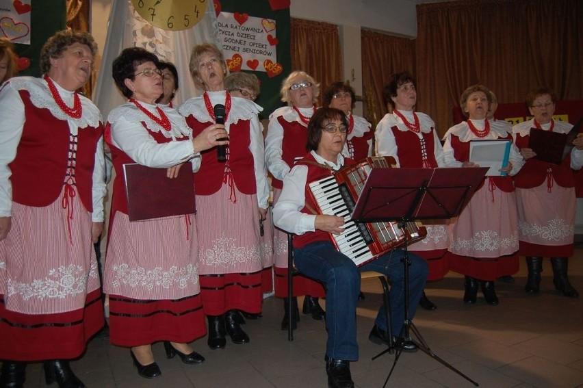 """Na dożynkach w Dąbrówce Słupskiej gości bawić będą m.in. """"Kołaczkowianki"""""""