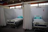 Szpital tymczasowy na hali UMB szykuje się na przyjęcie pierwszych pacjentów (ZDJĘCIA)