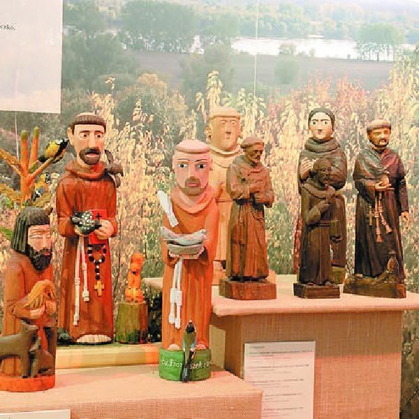 """Fragment ekspozycji wystawy """"Kult świętych w religijności ludowej"""""""