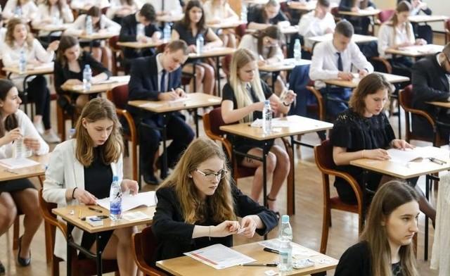 Uczniowie zdają egzaminy próbne. Tym razem czas na język polski na poziomie rozszerzonym
