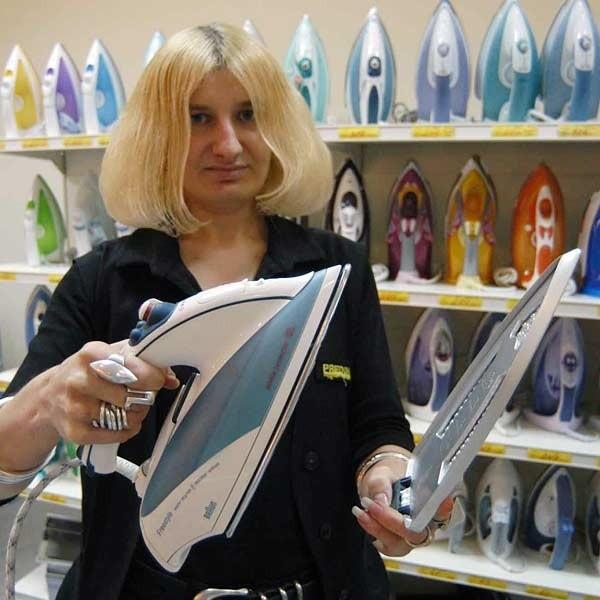 - Im wyższa jakość stopy i większe możliwości systemu nawilżającego, tym żelazko droższe - tłumaczy Karolina Koczela.