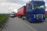 Śmiertelny wypadek na A1 koło Łodzi. Zderzenie busa na autostradzie A1 przy MOP Skoszewy. Informacje policji 20.05.2021