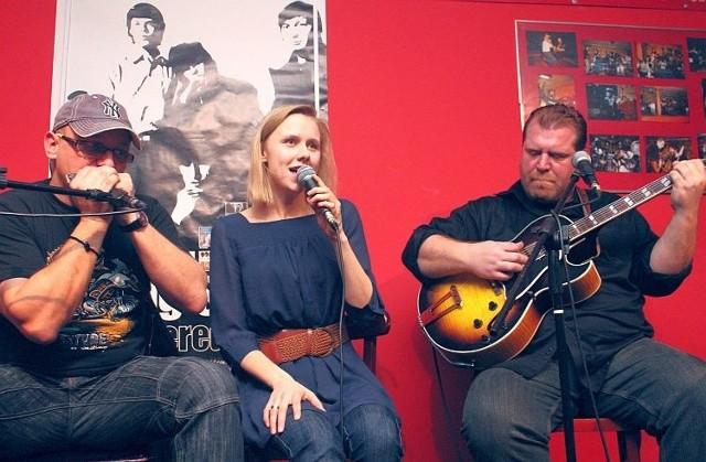 Tomek Kamiński (na zdjęciu z lewej), Martyna Zaniewska i Sean McMahon (na zdjęciu z prawej) przed laty nagrali Where Will You Go.