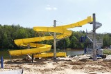 Wielka zjeżdżalnia na kąpielisku w Lisowicach prawie gotowa. Za miesiąc będzie można z niej korzystać