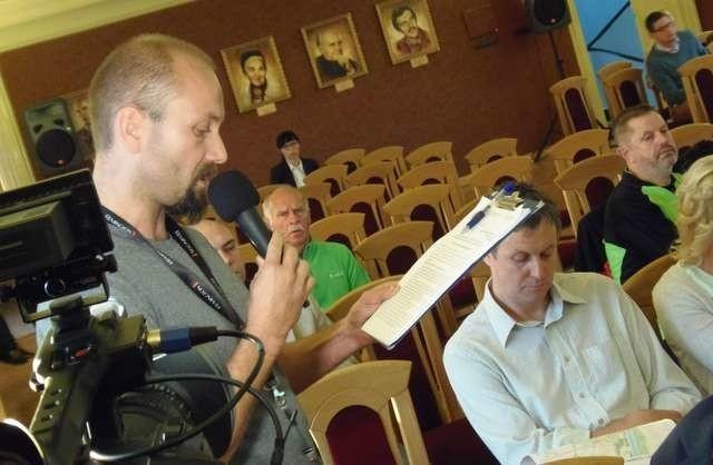 Tomasz Kędzior (na pierwszym planie), prezes stowarzyszenia Rowerowy Grudziądz, podczas konsultacji podał szereg rozwiązań, jakie są możliwe do zrealizowania w Grudziądzu przy okazji budowy ścieżek rowerowych. Przy okazji wytknął miastu masę niedociągnięć