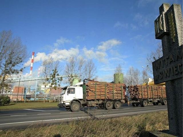 Ciężki transport przy Mondi wymusza podniesienie standardu ul. Bydgoskiej
