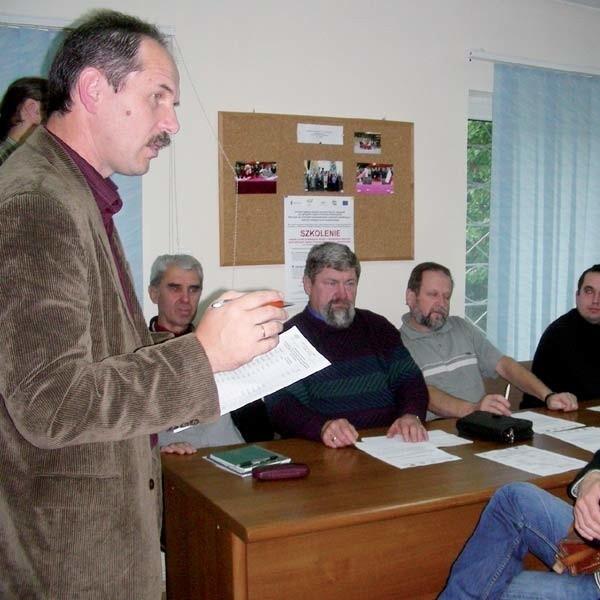 Mirosław Stepaniuk, podczas spotkania organizacyjnego uczestników szkolenia o regionie Puszczy Białowieskiej