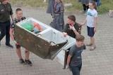 Lodówko-zamrażarka i rower w Noteci. W czasie akcji sprzątania rzeki harcerze z przyjaciółmi zebrali ponad 70 worków śmieci [zdjęcia]