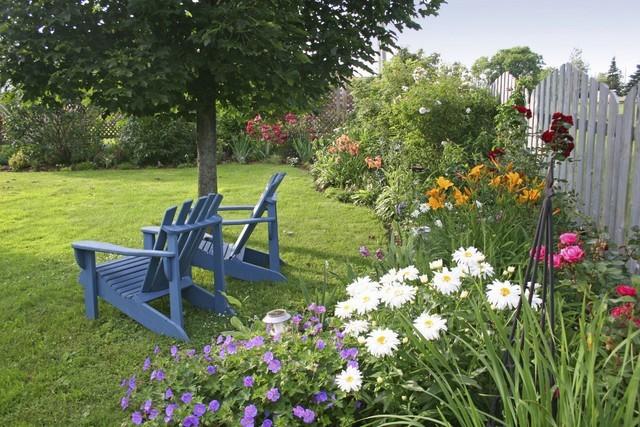 Kolorowe meble w ogrodzie...