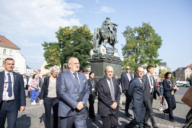 Wśród tematów rozmów szefów dyplomacji Francji, Niemiec i Polski znalazły się najbardziej aktualne zagadnienia międzynarodowe.