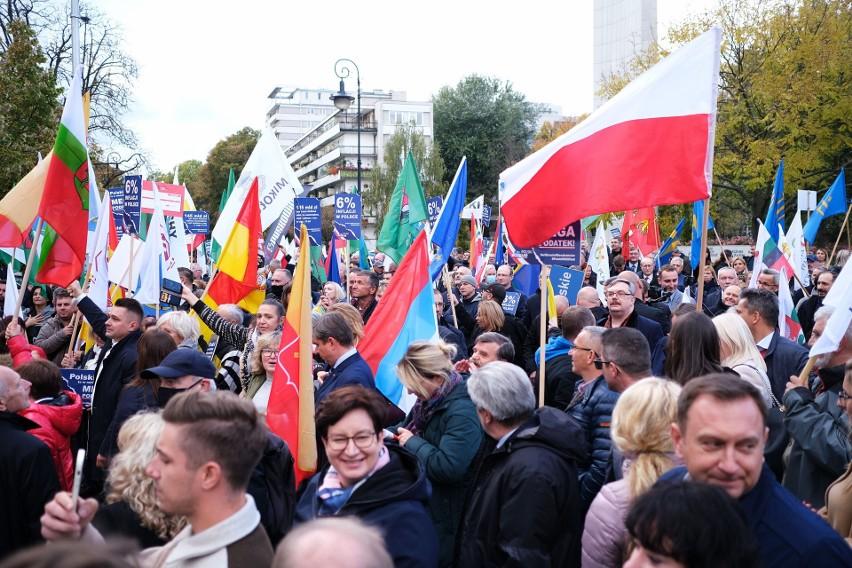 Warszawa: Protest samorządowców przeciwko Polskiemu Ładowi [ZDJĘCIA] ''Stajemy w obronie mieszkańców''