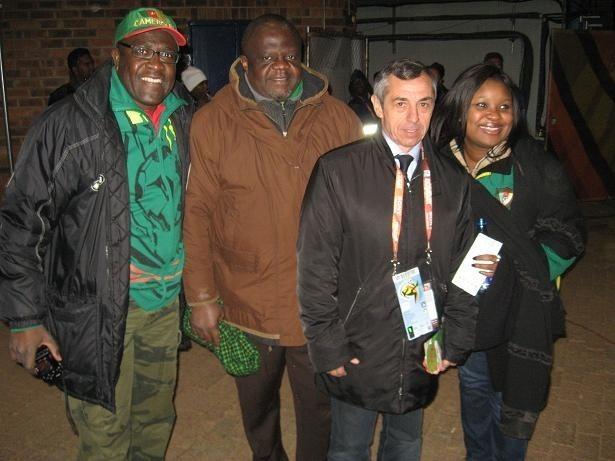 Kibice Kamerunu doceniają klasę Alana Giresse'a - mistrza Europy z 1984 r. Były pomocnik reprezentacji Francji jest doskonale rozpoznawalny w RPA.