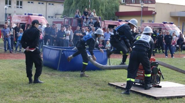 W Radkowie odbyły się gminne zawody sportowo-pożarnicze, które wygrała drużyna gospodarzy.