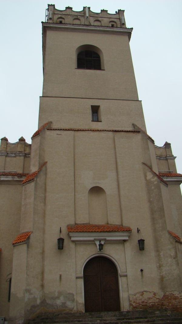 W białowieskim kościele zostaną wymienione tzw. żaluzje, czyli drewniane belki, które osłaniają kościelne dzwony.