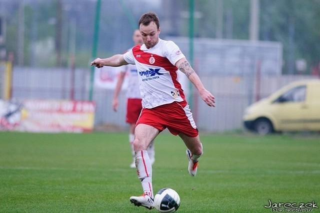 Piłkarze Łódzkiego Klubu Sportowego aż pięciokrotnie pokonali bramkarza Włókniarza Zelów