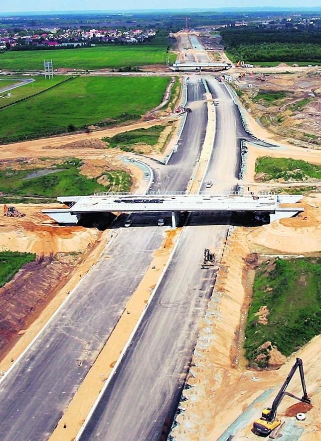 Autostradowa obwodnica ma być gotowa w połowie 2011 r.