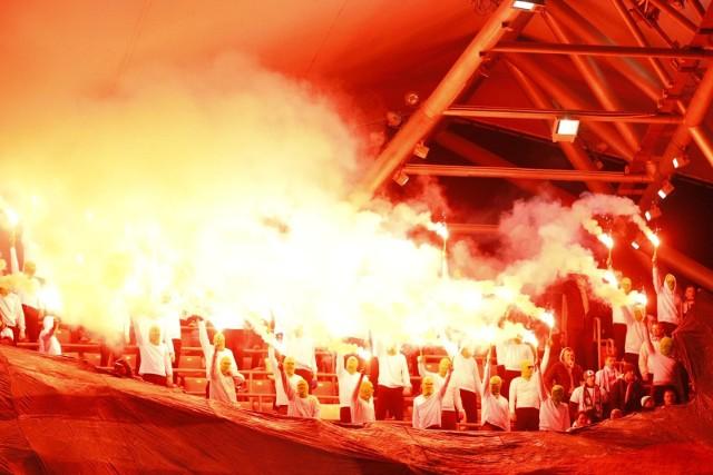 Legia Warszawa wygrała z ŁKS Łódź 3:1. Spotkanie przy Łazienkowskiej oglądało około 20 tys. kibiców. Zobacz, jak na trybunach bawili się fani!