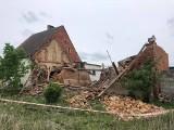 Zawaliła się stodoła. Siedemnastolatek pod gruzami, wezwano śmigłowiec LPR