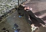 Fałszywi policjanci w Katowicach mieli broń, kastet i maczetę. Okradli 25-letnią kobietę