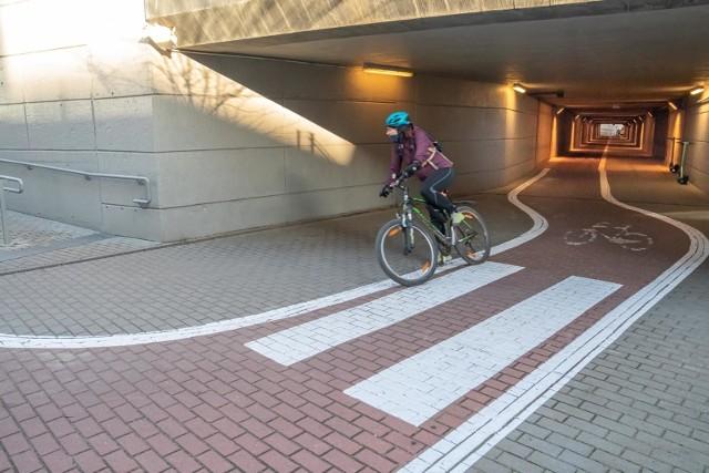 """Zarząd Rady Dzielnicy I Stare Miasto wskazał proponowaną lokalizację dla pilotażowej zadaszonej ścieżki rowerowej w centrum miasta. Zdaniem radnych z """"jedynki"""" mogłaby powstać wzdłuż ul. Pawiej."""