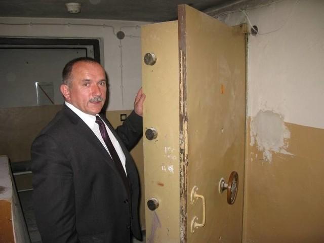 Pancerne drzwi dawnego skarbca