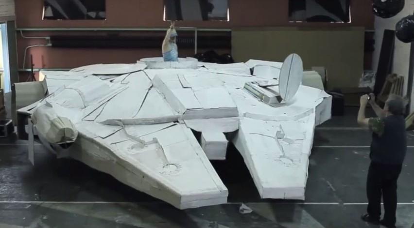 Statek Sokół (Falcon) Millennium powstawał przez kilka...
