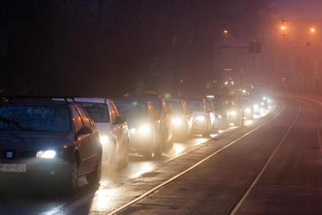 IMGW prognozuje wystąpienie gęstej mgły i oblodzeń na terenie niemal całej Małopolski